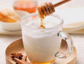 गर्म दूध में शहद मिलाकर पीने के अनूठे फायदे
