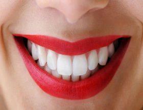 दांतों का पीलापन ऐसे हटाएं