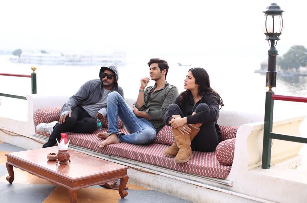 hindi film review dhadak
