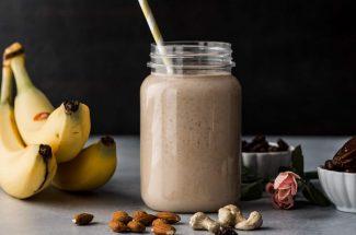 dry fruit banana smoothie