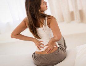 क्यों होता है कमर दर्द, जानिए इससे छुटकारा पाने के उपाय