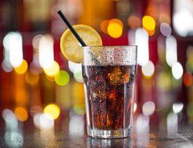 कोल्ड ड्रिंक से हो सकती है ये बीमारी