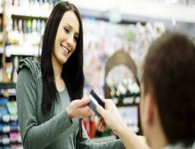 क्रेडिट कार्ड लेने में बर्ते सावधानी