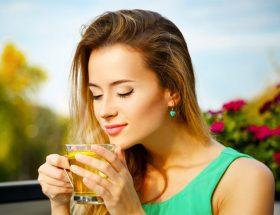 अच्छी सेहत के लिए जरुरी है हर दिन बस एक कप ग्रीन टी