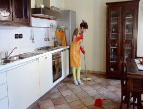 क्या आपके घर का फर्श हो गया है बदरंग?