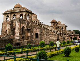 अगर दिल्ली गईं हैं तो इन इमारतो को देखना ना भूले