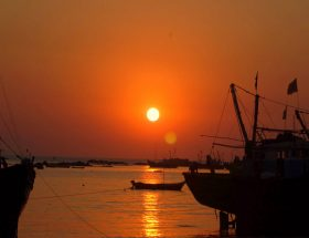 चलो महाराष्ट्र के समुद्री तटों पर टहल आयें