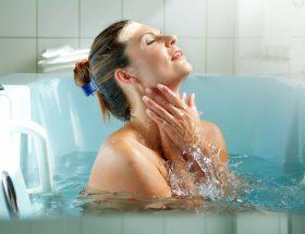 नहाते समय कभी ना करें ये गलतियां
