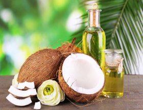 नारियल तेल से बढाएं खूबसूरती