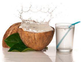 कुदरती स्वास्थ्यवर्धक पेय नारियल रस