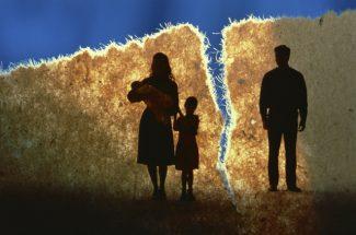 तलाक के बाद बच्चे किस के पास सुरक्षित