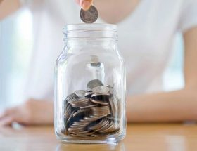 पैसे बचत करने के सबसे आसान तरीके आप भी अपनाइये