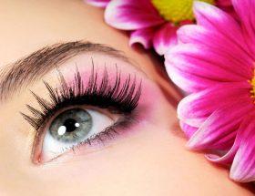 ये उपाय बना सकती हैं आपकी आंखो को पहले से ज्यादा सुन्दर व आकर्षक