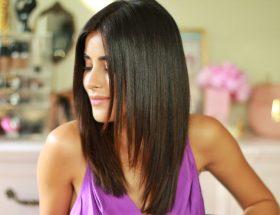 बिना पार्लर जाए बालों को स्ट्रेट बनाएं