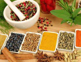 एसिडिटी दूर भगाने के 10 हर्बल उपचार