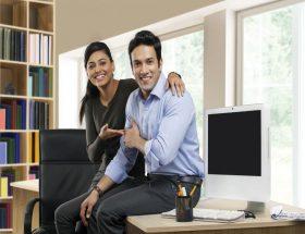 कामकाजी पति-पत्नी : आमदनी ही नहीं खुशियां भी बढ़ाएं