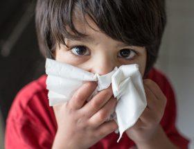 बच्चों में तेजी से फैलता है रेस्पिरेटरी इन्फेक्शन, ऐसे करें बचाव