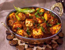 रात के खाने में बनायें पनीर मसाला