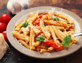बच्चों के लिए बनाएं पास्ता विद पनीर