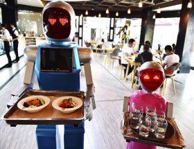 एहसासों पर कब्जा करते रोबोट
