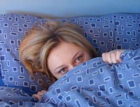 आप भी तलाशती हैं रातों में अच्छी नींद?