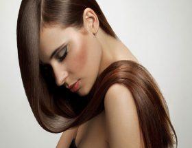 क्या बालों को कुदरती रूप से काला करना संभव है.