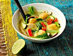 खाने से पहले लें थाई वेजिटेबल सूप का मजा