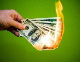 पैसों की समस्या से अगर जुझना नहीं चाहते अपनाये ये टिप्स